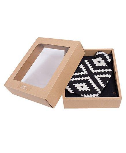 Pluchi Set Of Knitted Black Poncho With Zumba Bottle Cover Set - Black & White