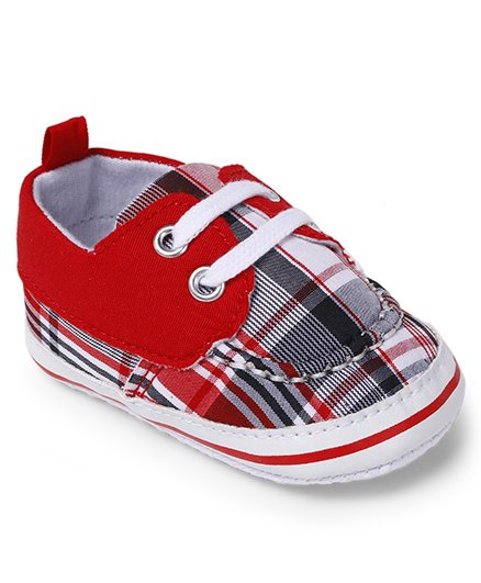 Cute Walk by Babyhug Booties Checks Design - Red