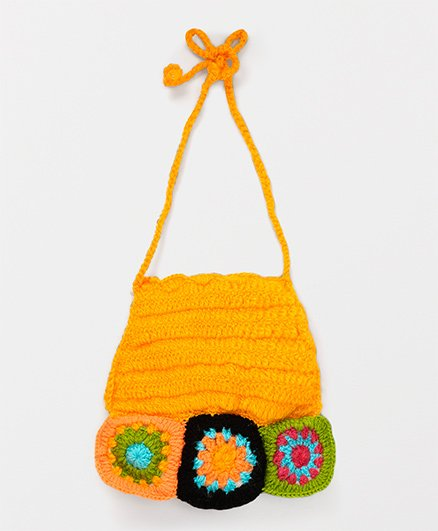 Mayra Knits Cute Design Bib - Yellow