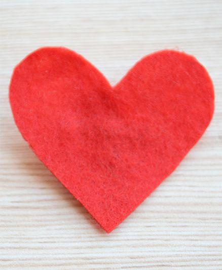 Pretty Ponytails Valentine Love Heart Brooch - Red