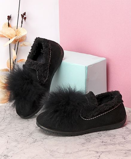 Kidlingss Slip-On Style Pom-Pom Shoes - Black
