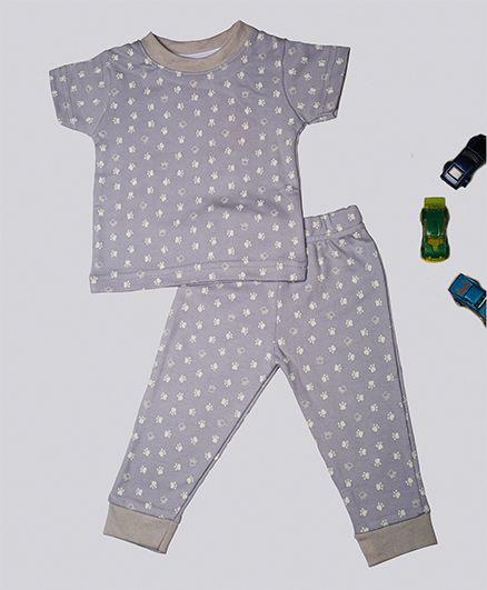Treasure Trove Paws Printed Night Suit - Multicolor