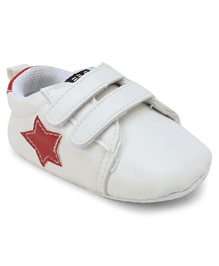 Cute Walk by Babyhug Booties Star Patch - White Red