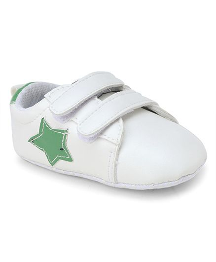 Cute Walk by Babyhug Booties Star Patch - White Green