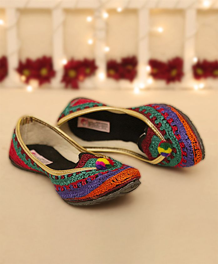 Dchica Thread Embroidered Mojaris - Multicolour