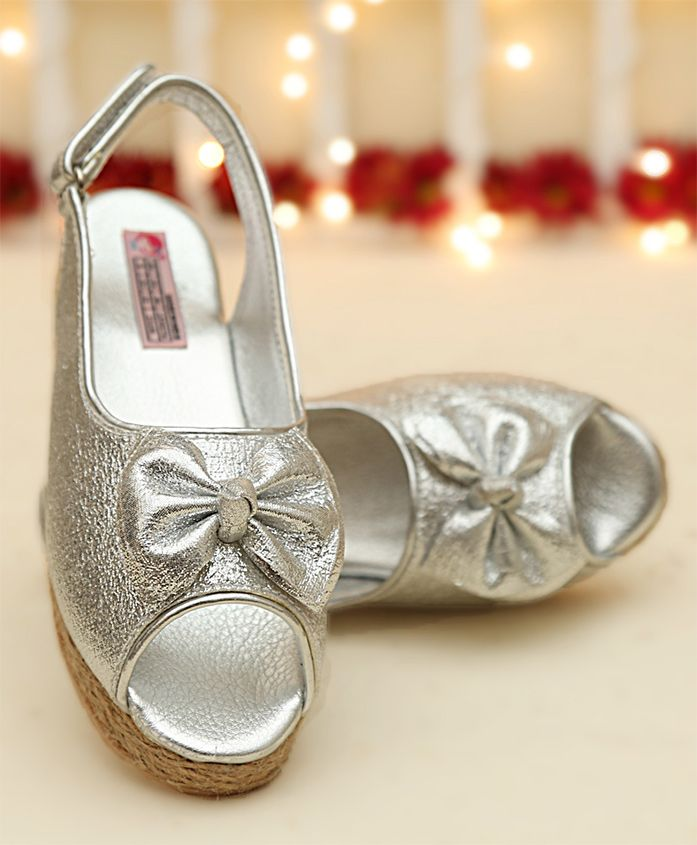 Dchica Wedge Heels With Bow Applique - Silver