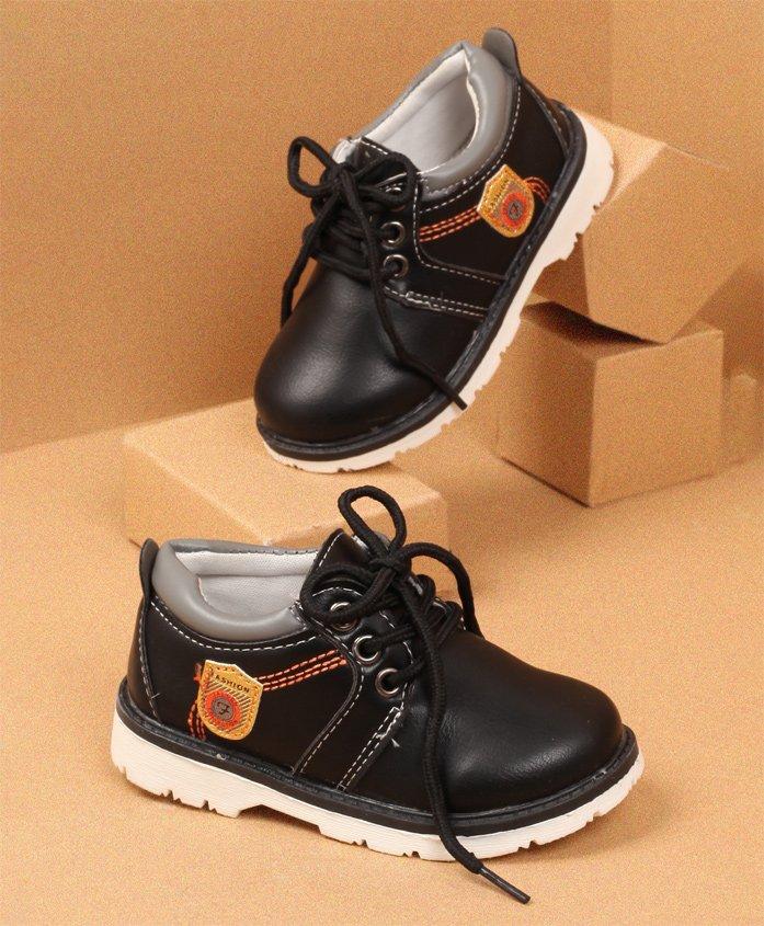 LCL by Walktrendy Party Wear Shoes - Black