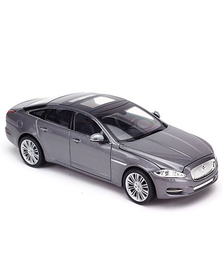 2010 Jaguar Coupe: Welly Die Cast Car Model 2010 Jaguar XJ