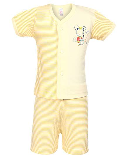 Pink Rabbit Front Open T-Shirt And Shorts Mouse And Stripes Print - Yellow