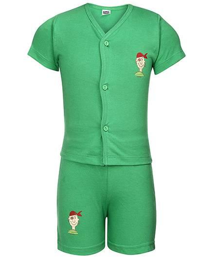 Simply Half Sleeves T-Shirt And Shorts Pirate Print - Green