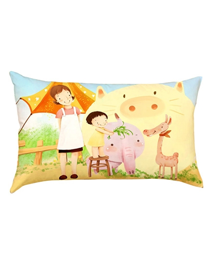 Stybuzz Baby Feeding Giraffe Baby Pillow Cover - Multicolour