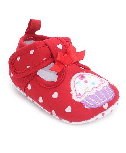 Cute Walk by Babyhug Booties Cupcake Embroidery - Red