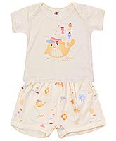 Buy Zero Half Sleeves Envelope Neck T-Shirt and Diaper Legging - Cream