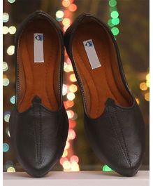 b26d6791c58 Mojaris/Ethnic Footwear Online - Buy Footwear for Baby/Kids at ...